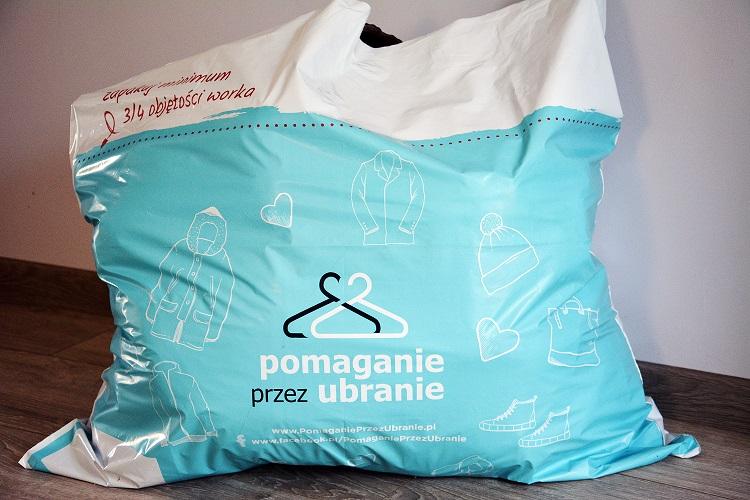 Zamów worek, przekaż ubrania i pomóż potrzebującym